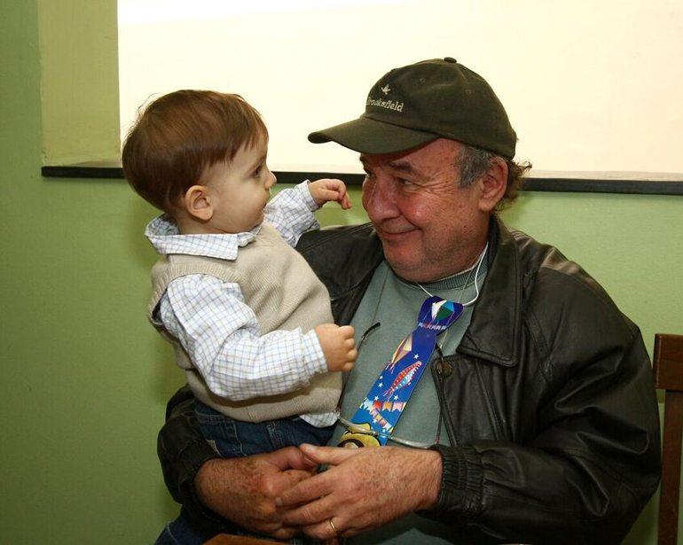 """Vovô Ricardo Kotscho com o neto André: """"pensar no futuro dos netos preocupa mais do que com os filhos quando eram pequenos"""""""